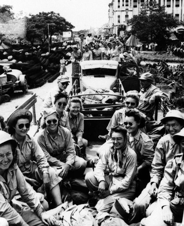 Phillipines POWs leaving Santo Tomas camp